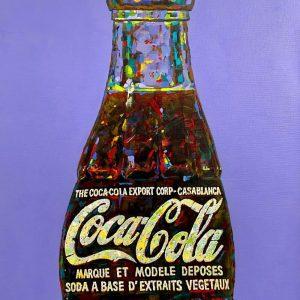 Andrei Krioukov Cola Flasche auf lila Hintergrund